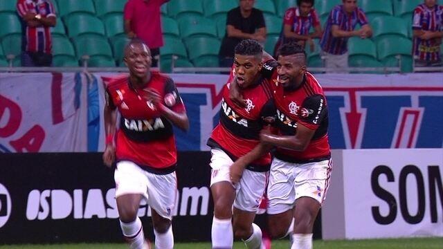 O gol de Bahia 0 x 1 Flamengo pela 10ª rodada do Brasileirão 2017