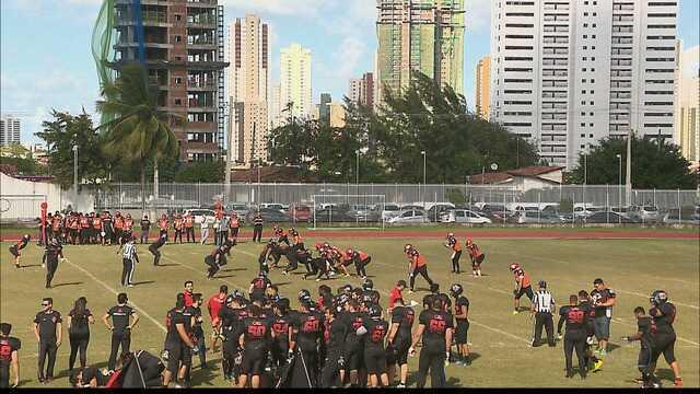 Futsal, tênis de areia, futebol americano... Confira a agenda esportiva do fim de semana