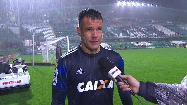 """Wilson diz que empate com o Santos foi justo: """"Chances iguais para os dois lados"""""""