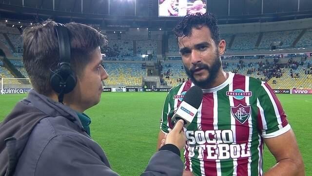 Perito em pênaltis, Dourado comemora dois gols de cabeça sobre o Atlético-MG