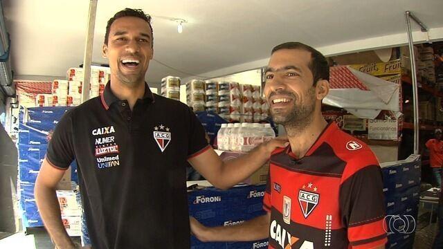 Torcedor fanático pelo Atlético-GO marca presença em todos os jogos