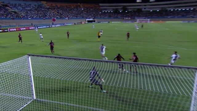 O gol de Atlético-GO 0 x 1 Vasco pela 29ª rodada do Brasileirão 2017