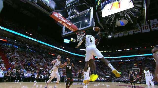 James Johnson, do Miami Heat fez a melhor enterrada da noite da NBA