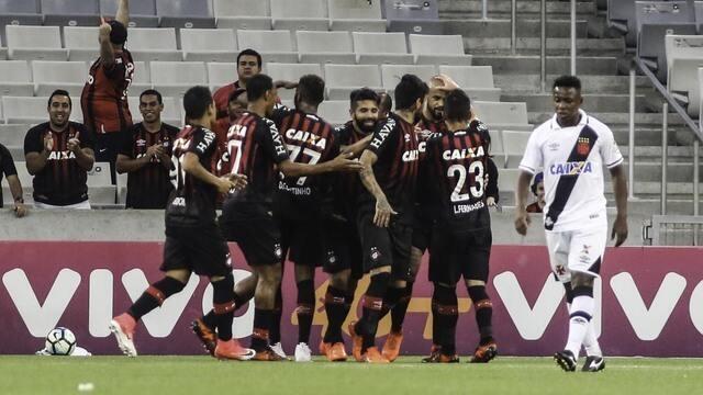 Melhores momentos: Atlético-PR 3 x 1 Vasco pela 36ª rodada do Brasileirão 2017