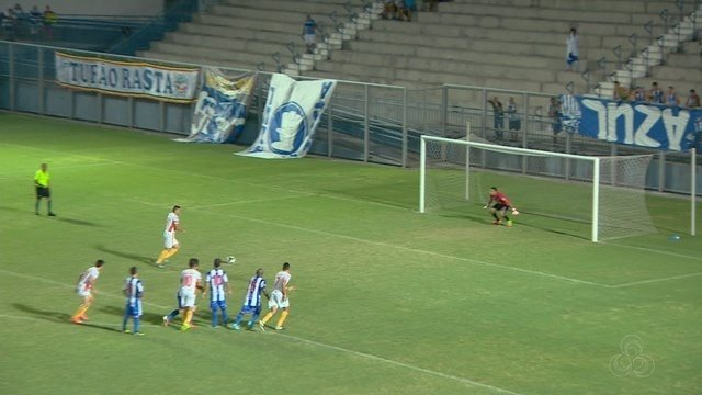 Com paredão Jonathan, São Raimundo garante vaga nas semifinais da Série B