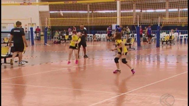 Campeonato Brasileiro de peteca reúne gerações de praticantes do esporte
