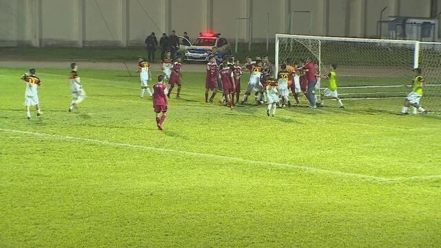 Porto ganha do R1 mas fica fora da final do sub 17 em jogo que terminou numa grande briga