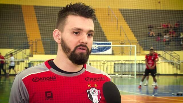Goleiros Willian e André Deko são as armas dos finalistas Joinville e Assoeva
