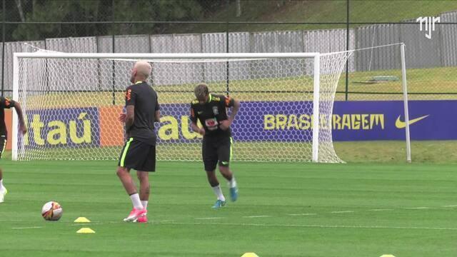 Seleção Brasileira - Treino Granja Comari (01)