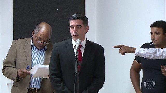 Tininho é empossado na presidência do Santa Cruz