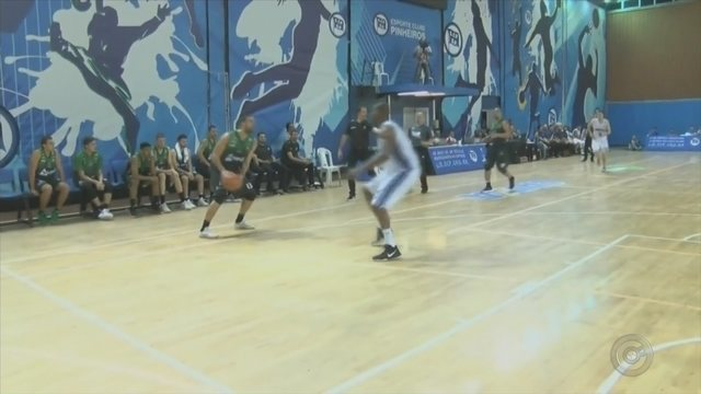 Bauru Basket encara o Mogi das Cruzes, fora de casa, pelo NBB