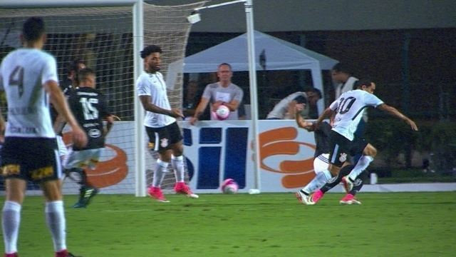 Paulo César de Oliveira analisa pênalti para o Corinthians contra a Ponte Preta