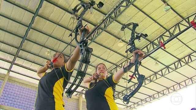Pernambucanas trocam carnaval por treinos com técnica da Seleção de tiro com arco