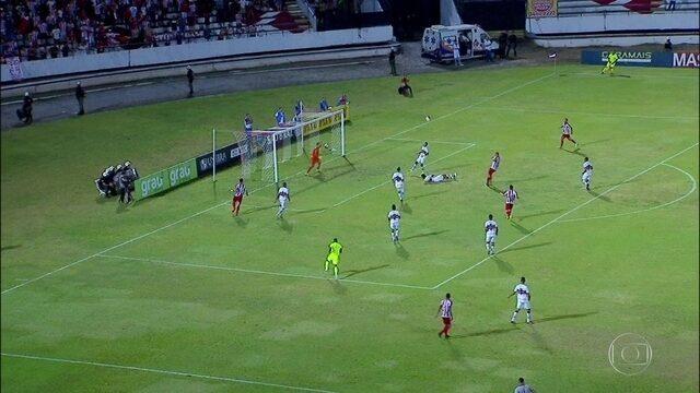 Santa Cruz e Náutico fazem jogo disputado, mas não saem do 0 a 0 pelo Pernambucano