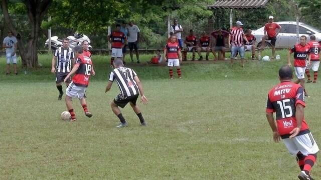 Fim de semana tem jogos emocionantes no campo ao lado do Guanandizão