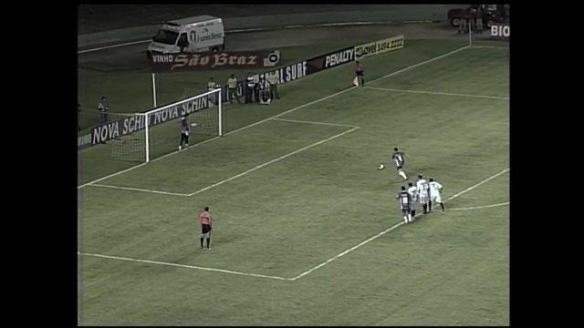 Gols do Osvaldo: atacante marca sobre o São Caetano
