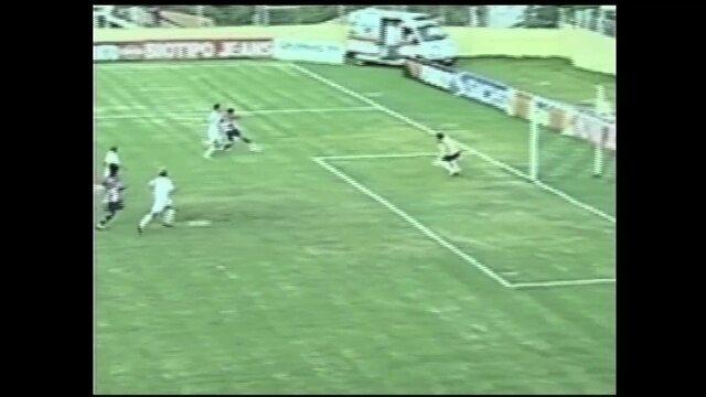 Gols do Osvaldo: atacante marca sobre o Bragantino em 2008
