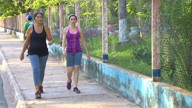 Local inadequado para caminhadas contribui para risco de lesões