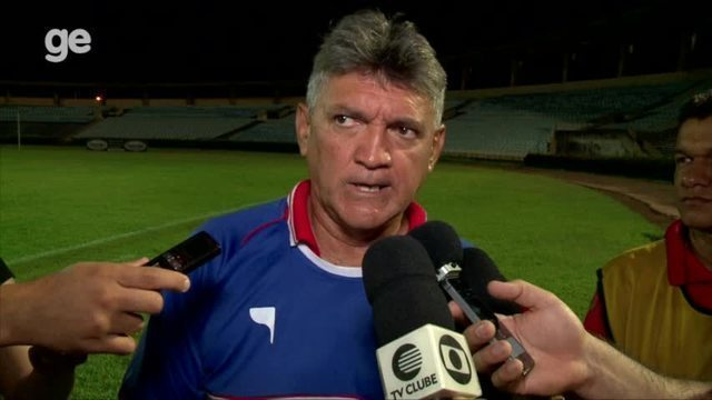 """Técnico compara derrota no Piauí com goleada do Vasco na Libertadores: """"A gente mangou"""""""
