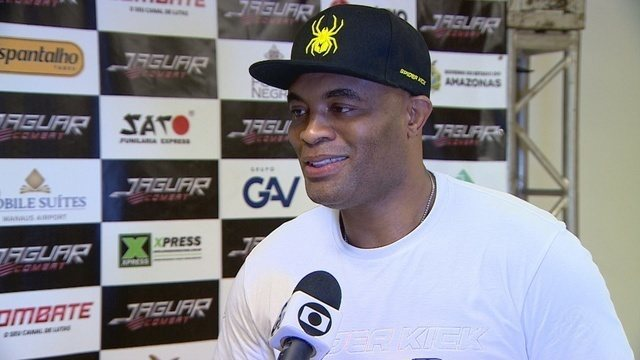 "Anderson Silva visita Manaus e ""ataca"" de repórter"
