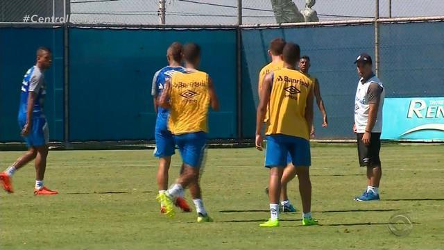 Grêmio treina neste sábado (17) e se prepara para o clássico deste domingo (18)