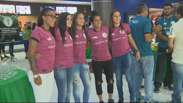 Iranduba apresenta elenco e novo uniforme para temporada de 2018