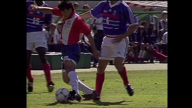 Copa 98: Melhores momentos de França 1 x 0 Paraguai pela Copa do Mundo de 1998
