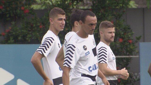 Na briga por vaga, Vitor Bueno alerta Santos para decisão contra o Botafogo