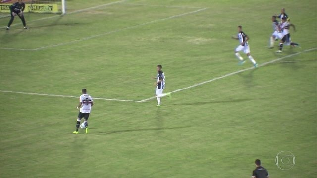 Santa Cruz empata por 0 a 0 com Campinense e se classifica para quartas do Nordestão