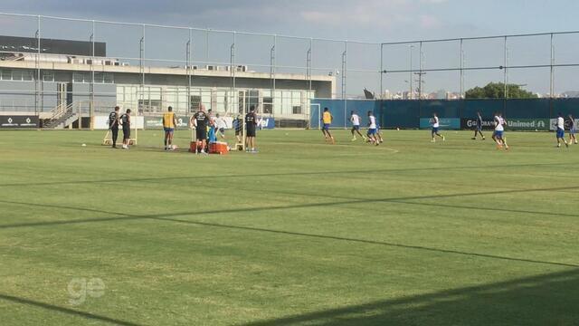 André marca em 1º treino pelo Grêmio; titulares apenas correm