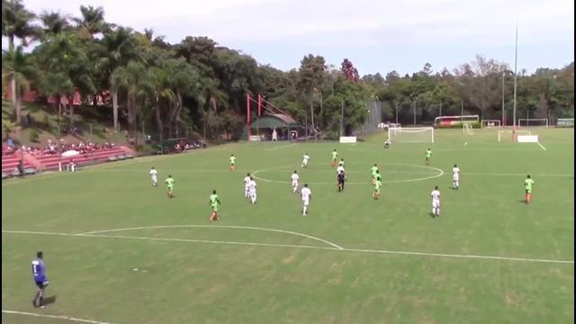 Confira o golaço do meio do campo de Júlio Vitor do time sub-17 da Ponte Preta