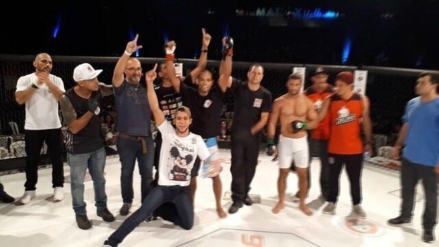VÍDEO: Renato Amorim vence Rene Novais no Haidar Capixaba Combat 16