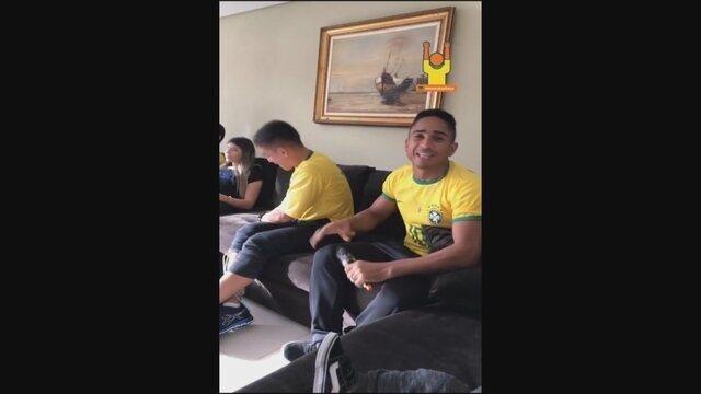 Jogadores do Figueira celebram vitória da Seleção