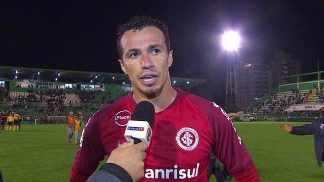 """Leandro Damião explica pênalti desperdiçado: """"Tentei tirar, mas ele acertou o canto"""""""