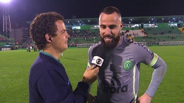 """Jandrei: """"Herói não, longe disso, não conquistamos nada. Temos que pensar no Fluminense"""""""