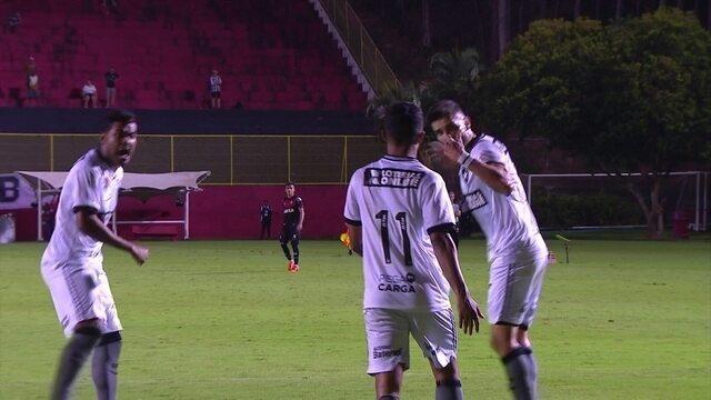 Brenner e Pimpão se desentendem com Erik após gol perdido contra o Vitória