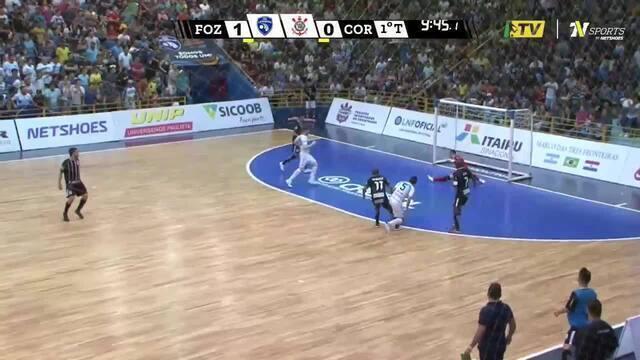 Os gols de Foz Cataratas 2 x 2 Corinthians pelas oitavas da Liga Nacional  de Futsal f93575e8defd9