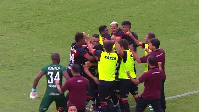 Os gols de Vitória 2 x 2 Bahia pela 33ª rodada do Campeonato Brasileiro