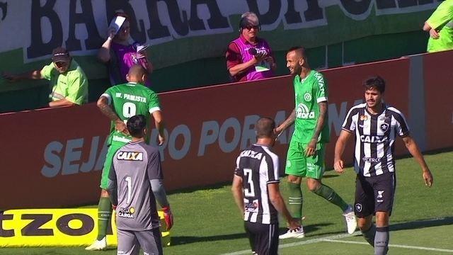 Melhores momentos: Chapecoense 0 x 1 Botafogo pela 34ª rodada do Brasileirão