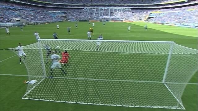 O gol de Grêmio 1 x 0 Corinthians pela 38ª rodada do Brasileirão