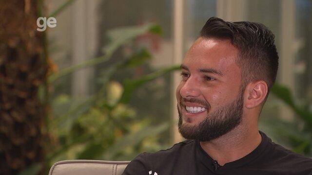 """Destaque do Goiás, Giovanni admite propostas da Série A e fala de """"rixa"""" com Alan Mineiro"""