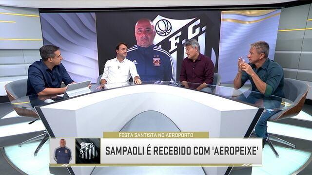 Jorge Sampaoli é recebido com festa pela torcida do Santos em aeroporto