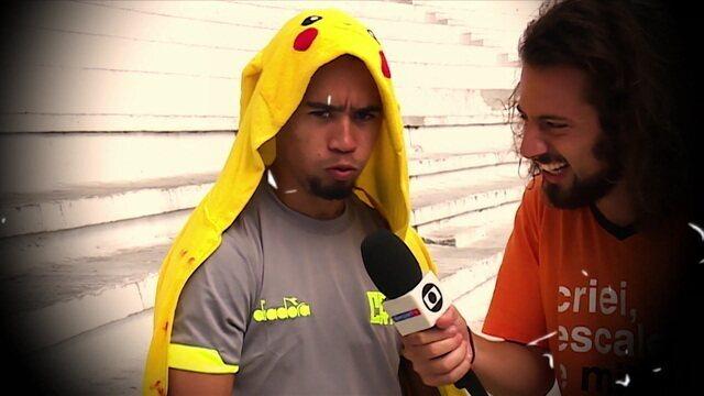 """Pikachu recebe notícia de que será escalado no meio-campo no Cartola e pede: """"Repensa isso ai"""""""