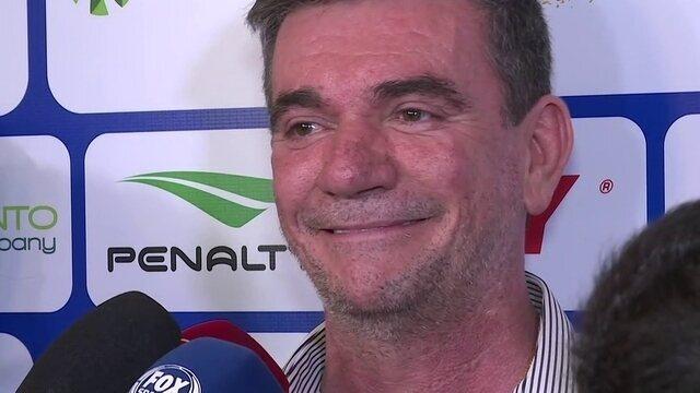 Andrés diz que Corinthians ainda tenta Arana e que tem interesse em permanência de Avelar