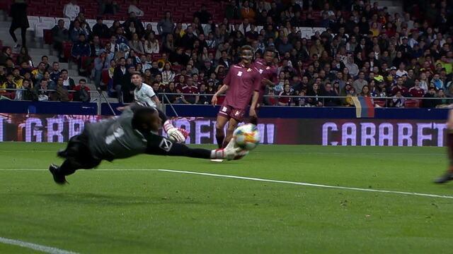 Boa chegada da Argentina com Lo Celso e Montiel. Fariñez triscou a bola, aos 28' do 1ºT