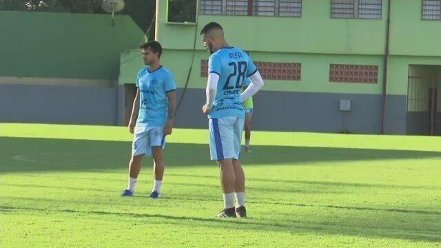 Atlético-AC deve ter estreias e Polaco quer vitória contra o Tombense para subir na tabela