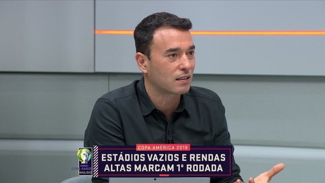 """André Rizek critica organização da Copa América por estádios vazios: """"Vergonha, nota zero"""""""