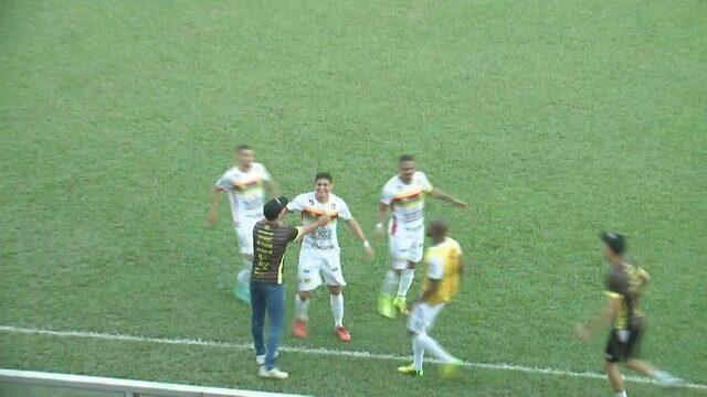 Gol do Brusque! Júnior Pirambu faz o segundo contra o Juazeirense
