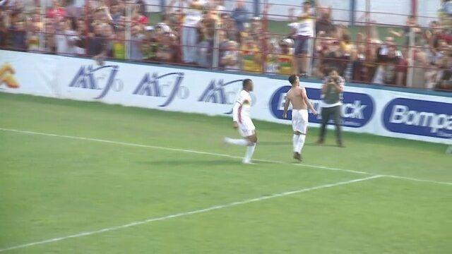 Gol do Brusque! Thiago Alagoano marca contra o Juazeirense