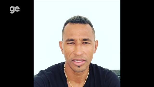 Atacante Ciel faz convite para jogo beneficente em Caruaru